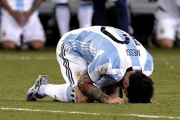 Messi hizo olvidar la derrota en la final al anunciar su retiro de la selecci�n