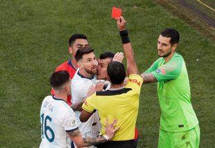 La CONMEBOL suspendió a Messi por tres meses
