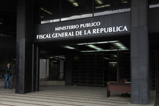Detienen a tres trinitarios en Venezuela por presunta trata de personas