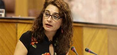 Montero acusa al Gobierno de 'maquillar' cifras del déficit al imputar todo el gasto de la hepatitis C a las CCAA