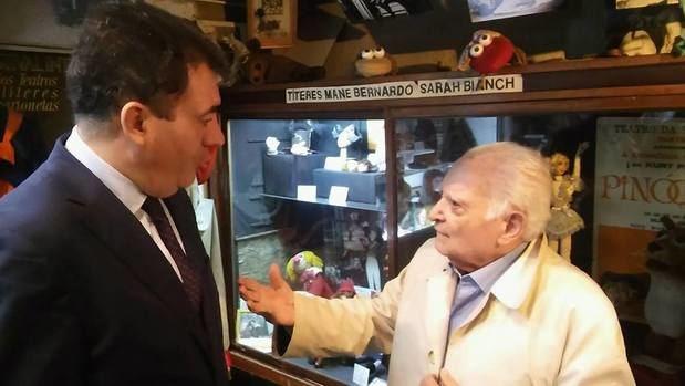 Román Rodríguez visitó el Museo Argentino del Títere, con el objetivo de hacer proyectos con el Museo Gallego de la Marioneta