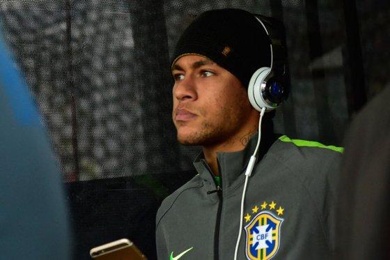 Neymar se va de Chile y dice que le 'mataría' quedarse sin poder jugar