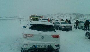 La nieve y el hielo dificultan la circulación en la provincia de Granada