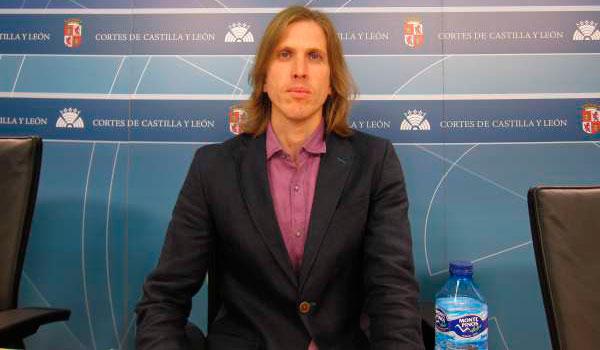 Pablo Fernández votará sí en la consulta de Podemos porque