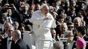 El Papa Francisco usará un Papamóvil sin techo ni blindaje