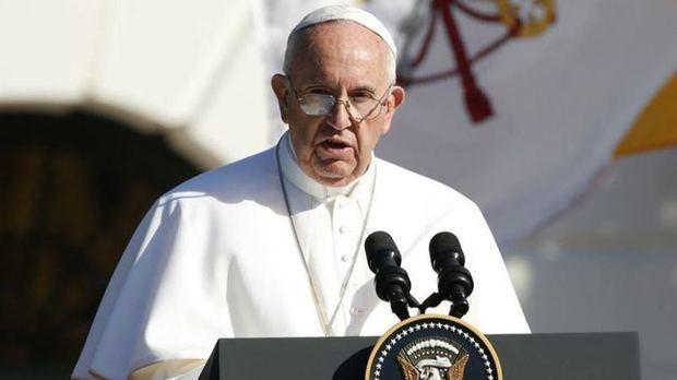 El Papa pidió perdón por el daño causado en el escándalo de los 300 'curas depredadores' de Pensilvania