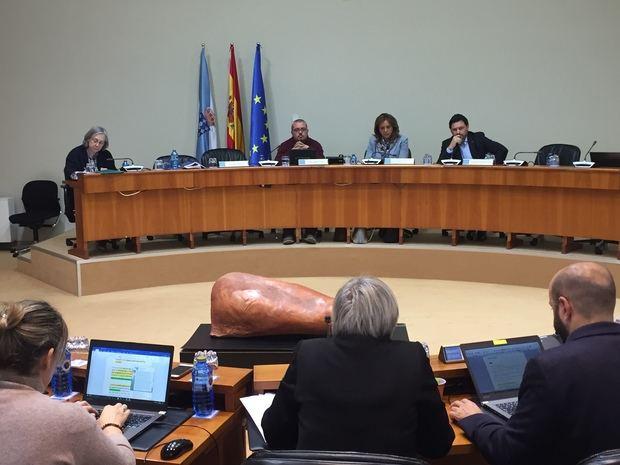 Miranda respaldó la decisión de los socios del Centro Gallego de preservar su patrimonio cultural