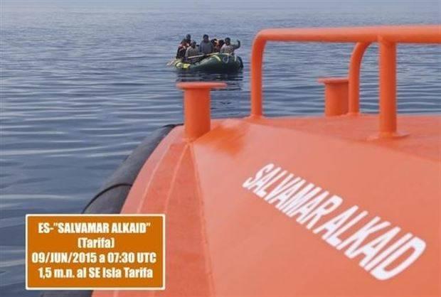 Más de 3.000 inmigrantes en 226 pateras intentan llegar a Andalucía