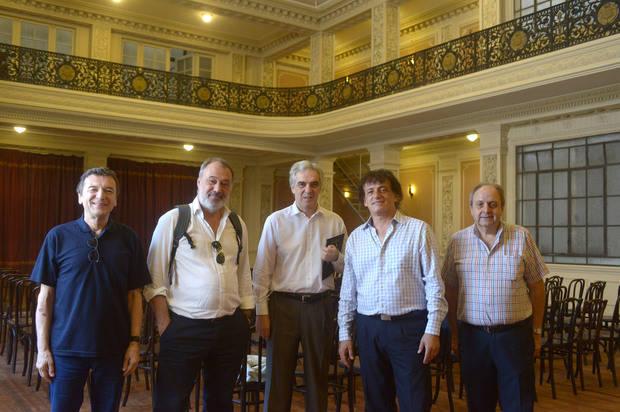 Varela le mostró a Mahler las instalaciones de la Patriótica con el objetivo que el Centro Cultural de España funcione allí