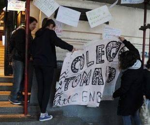 El colegio Pellegrini contin�a tomado por los alumnos