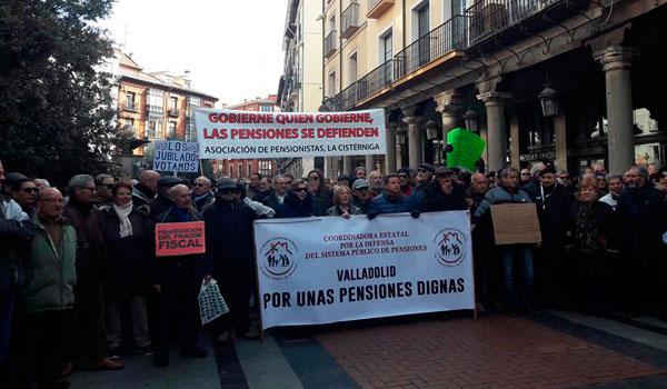 Centenares de personas se movilizan contra las pensiones de 'miseria'