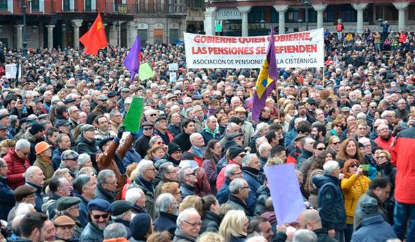 Miles de personas salen a la calle en Castilla y León por unas pensiones dignas