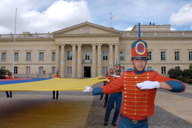 Presidencia de Colombia emitió comunicado que justifica salida Felipe González