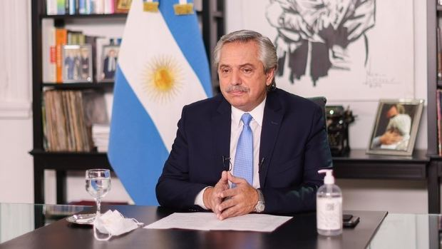 El presidente anunció que se restringirá la circulación nocturna y que por dos semanas habrá clases virtuales