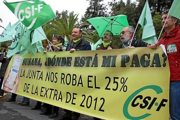 El CSIF urge a la Junta a abonar 'de inmediato' el 25% de la extra de 2012