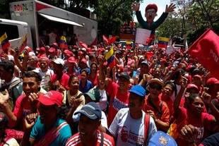 Chavistas se concentran en Caracas para conmemorar fallido golpe de 2002