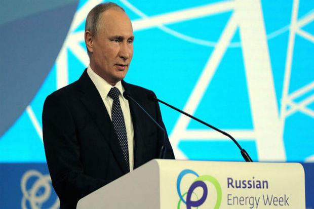 Putin ve 'posible' prolongar acuerdo de reducción de producción de petróleo
