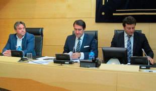 La Junta prepara un decreto de identificación de vehículos con conductor para evitar el intrusismo en el sector del taxi