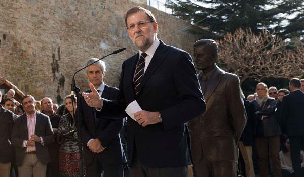 Rajoy recuerda en Ávila a Suárez para reivindicar el consenso en los asuntos de Estado