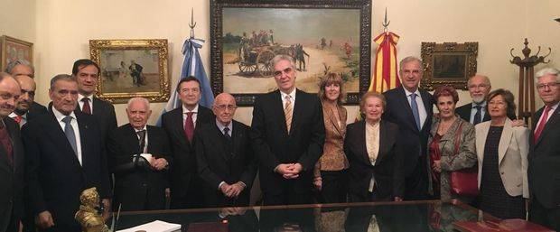La Federación de Sociedades Españolas le brindó una cálida bienvenida al Embajador