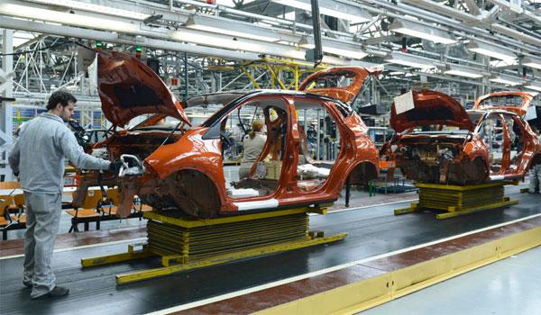 Renault mantiene el tercer turno en la factoría de carrocería y montaje de Valladolid