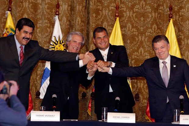Maduro y Santos acuerdan retorno de sus embajadores e indagar tema fronterizo