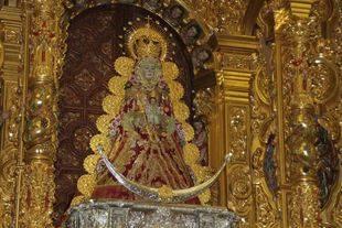 Cerca de 4.000 ni�os son presentados ante la Virgen del Roc�o en un fin de semana de festejos en la aldea
