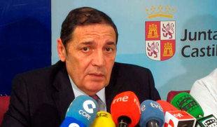 El consejero de Sanidad anuncia la implantación de una unidad satélite de radioterapia en Ávila en 2019