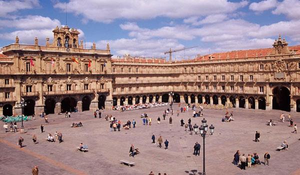 La Comunidad se aúpa como tercer destino preferido por los españoles con 4,07 millones de viajeros y un gasto de 474 millones
