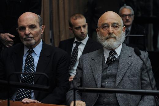 Cuatro años y 9 meses de prisión a Mathov y cuatro años para Santos por la represión del 2001: