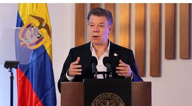 Presidente Santos viajará a cita con Maduro lunes