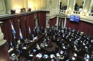 El Senado aprob� el proyecto que proh�be los despidos por seis meses