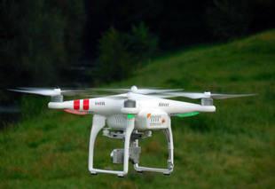 Ministro Molina proh�be vuelos de aeronaves privadas y drones por una semana