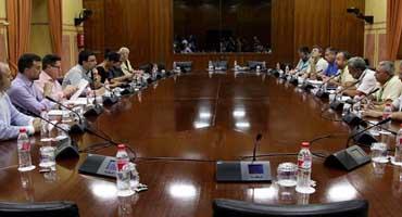 Sindicatos de Delphi, Santana, astilleros y partidos se dan de plazo hasta noviembre para dar solución a conflictos