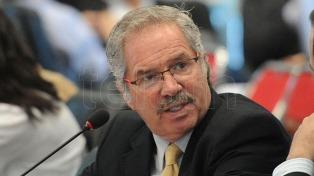 """Solá consideró """"muy grave"""" la ampliación del blanqueo a familiares de funcionarios"""