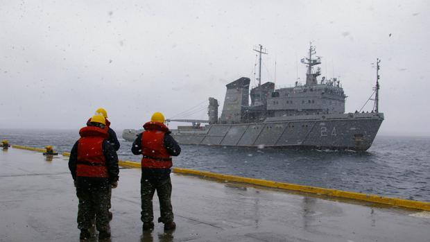 Jueza argentina del caso submarino cita a declarar al ministro de Defensa