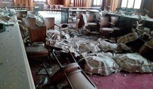 Se derrumba el falso techo del salón de plenos del Ayuntamiento de Palencia