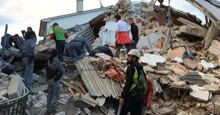 Al menos 38 muertos y decenas de heridos por el fuerte terremoto en Italia