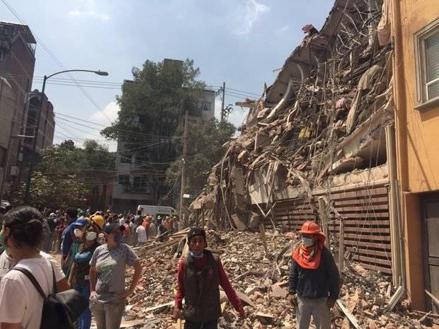 En México continúa la desesperada búsqueda de sobrevivientes tras el terremoto que dejó más de 200 muertos