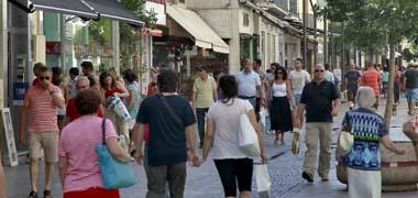 Las ventas en los pequeños comercios aumentan entre un 15% y un 5% en Andalucía en lo que va de Navidad