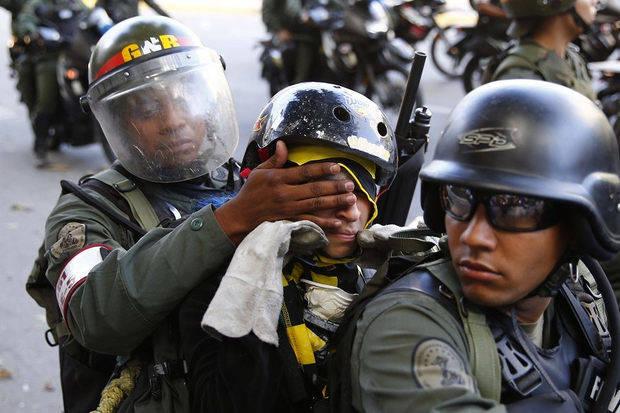 Instituto checo presenta en La Haya 55 testimonios sobre tortura en Venezuela