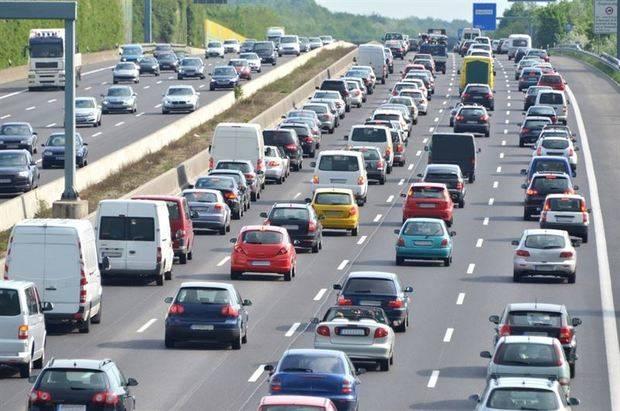 La DGT prevé 912.000 desplazamientos por las carreteras andaluzas durante el Puente del Pilar