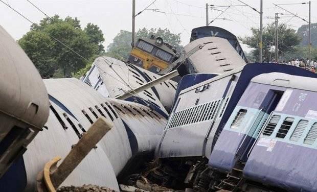 Dos siniestros de tren elevan a más de 200 los muertos por lluvias en India