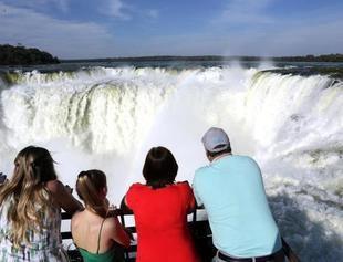 Reintegrar�n el IVA a turistas extranjeros que visiten la Argentina