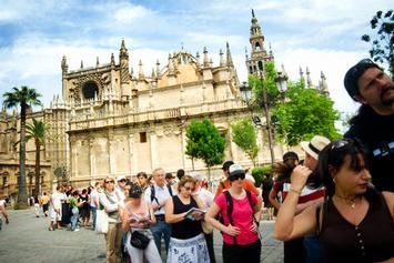 Andalucía prevé un verano 'histórico' con un 5% más de turistas