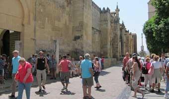 Los turistas internacionales gastaron 5.675 millones de euros en los siete primeros meses del año