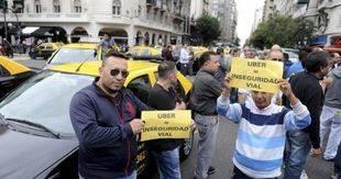 Continúa la polémica por la legalidad de Uber en la ciudad