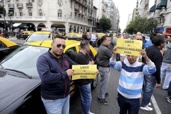 Se viene un caos de tr�nsito en la ciudad por una nueva protesta de taxistas contra Uber