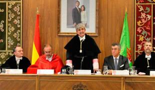 Rey anuncia su intenci�n de rebajar las tasas acad�micas en la apertura del nuevo curso de la ULE
