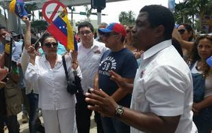 Exiliados venezolanos piden a Eurocámara que sancione cuanto antes a Maduro